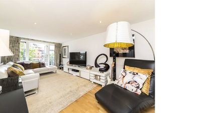 Photo for 3BR Apartment Vacation Rental in Kingston upon Thames