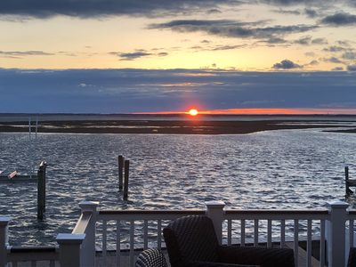 Photo for Bayfront 4 Bedroom with Perfect Sunsets and Dock!