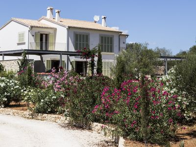 Photo for Top New finca with gr. Pool in a quiet, peaceful setting, near the beach