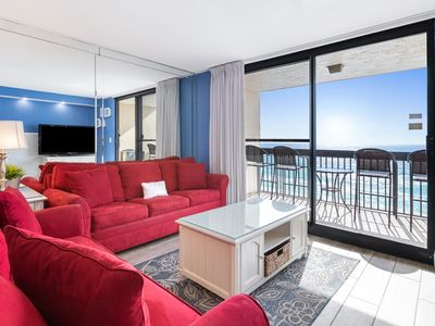 Photo for Beautiful Unit, Splash pad with hot tub, Free WiFi, On the beach