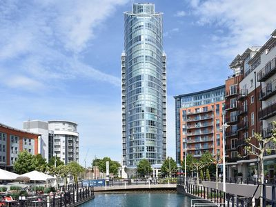 Photo for 1 bedroom accommodation in Gunwharf Quays, near Portsmouth