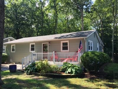 Photo for FREE ACTIVITIES INCLUDED!! An adorable, fun 3 bedroom, 2 bath  cottage with bright, beachy  decor!   Located in the community of Bethany West