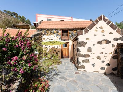 Photo for Wonderful country house with barbecue in El Pinar, El Hierro