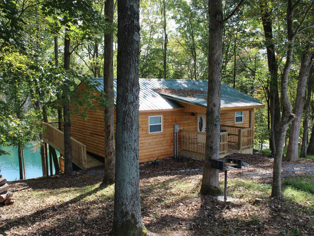 Private Catch And Release Lake--Boat Rental Included! Close to Lake  Cumberland! - Russell Springs
