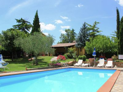 Photo for Cosy house in natural surroundings near the Chianti valley