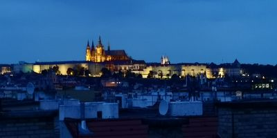 Cozy apartment with balkony and amazing view to Castle and historical Prague