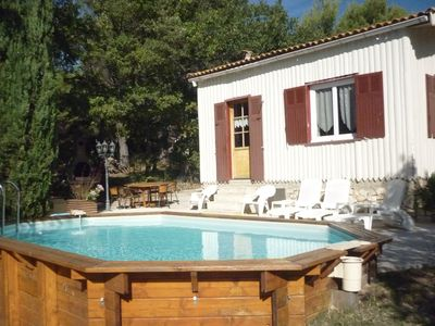 Photo for House with garden and Swimming pool - MALEMORT DU COMTAT