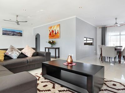 Photo for Spacious House, close proximity to top Attractions