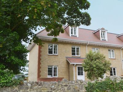 Photo for 3 bedroom property in Shanklin. Pet friendly.