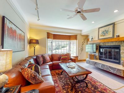Photo for Charming condo w/shared pool & hot tub/wood-burning fireplace - near ski lifts!