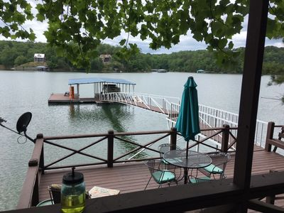 Photo for Lakefront Cozy Cottage Pet-Friendly only a few steps to the lake!