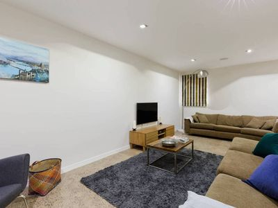 Photo for Well-appointed 3 Bedroom West-London House
