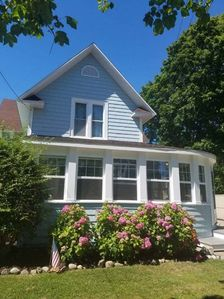 Photo for Perfect Location!  3 Blocks to The Beach and Downtown.