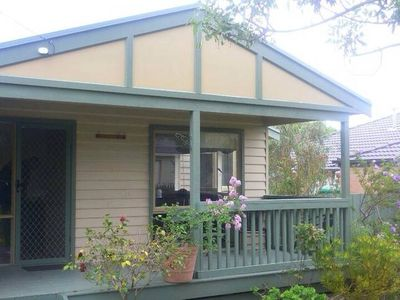 Photo for Cosy Beach Cottage - located at Dromana