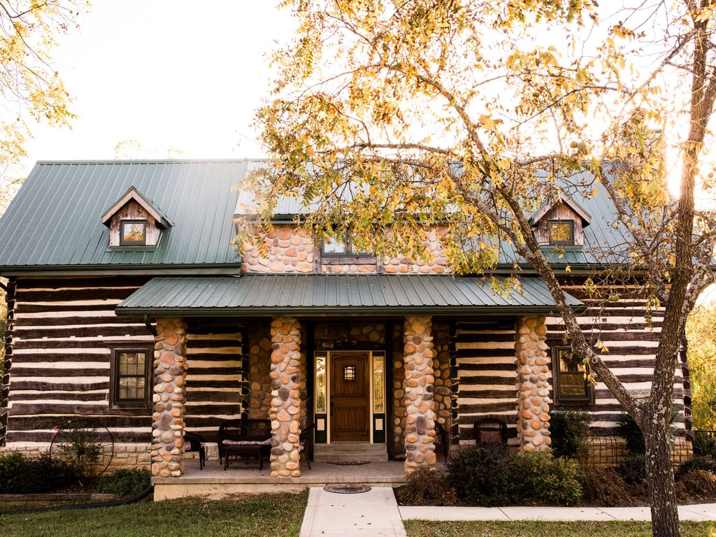 The Quinn Cabin : Beautiful secluded Log Home - Nestled in the ... for Beautiful Country Log Homes  575lpg