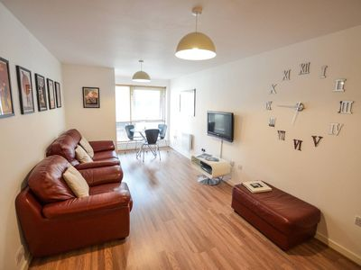 Photo for Modern Apartment in the heart of Gunwharf Quays