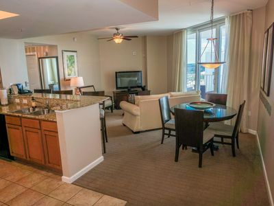 Photo for PALMS of DESTIN Condo-LARGE Two King Bedrooms-Penthouse Corner Suite Under 25 ok