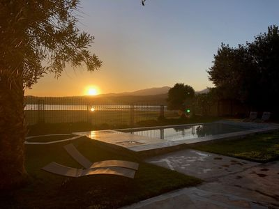 The LAKE LODGE in Marrakech, the feet in the water and the head in the stars