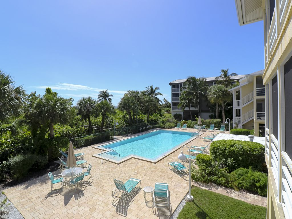 Surfside 12 B1 Large Gulf Front Condo In Small Complex