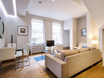 Photo for A CHARMING 2 BEDROOM FACING THE STUNNING FIZTROY SQUARE GARDEN