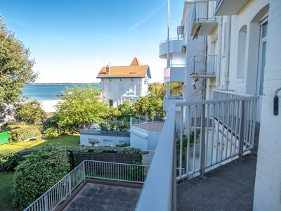 Photo for Completely renovated apartment, sea view and beach access - Le Moulleau