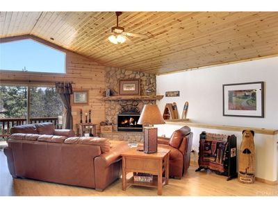 Photo for This is the Moonridge Mountain retreat that you have been looking for!