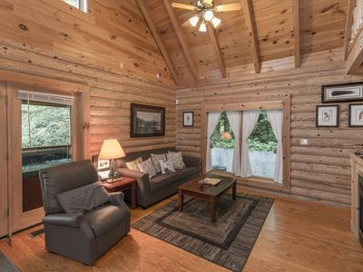 Photo for Sunset Ridge Cabin in Pigeon Forge: K Bed, Hot tub, wifi & close to attractions!
