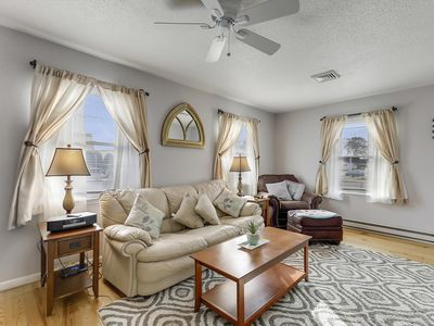 FREE DAILY ACTIVITIES INCLUDED!!! LINENS INCLUDED*! PET FRIENDLY, SINGLE FAMILY HOME IN OCEAN CITY MD.