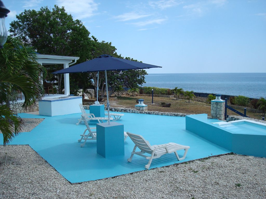 Blue sky villa on the cliffs and sea - HomeAway Negril