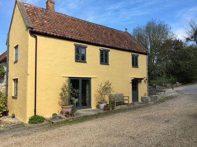 Photo for Stunning Somerset Cottage near Bruton