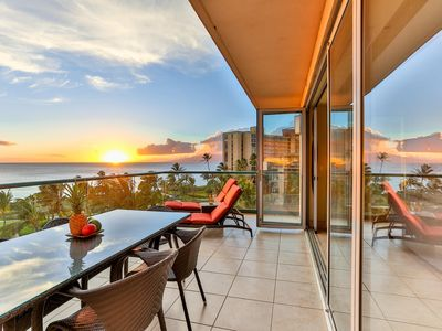 Photo for Maui Westside Properties - Amazing 2 Bed Frontline W/ BBQ - Honua Kai - K501