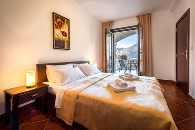 Double bedroom with ensuite balcony with seaview