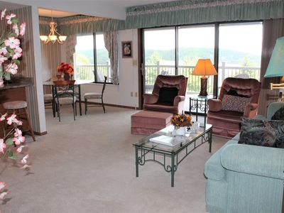 Photo for Classic! 2 bed 2 bath Condo! Large Deck. Fantastic Lake Views. Close to Silver Dollar City!
