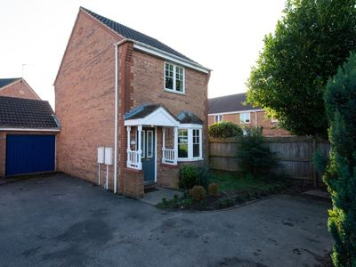 Photo for 2 Bedroom Comfort House - Street View