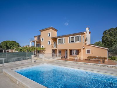 Photo for This 5-bedroom villa for up to 13 guests is located in Rovinj and has a private swimming pool, air-c