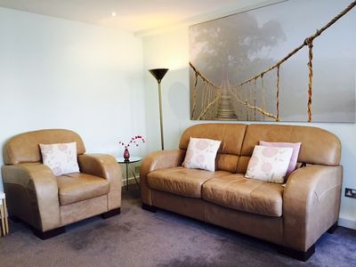 Photo for Tower Bridge & City Location - Exceptional Bright, Spacious & Modern 1-Bed Flat
