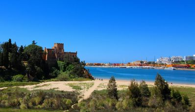 Photo for Front line townhouse nº 3 in Ferragudo, sea views, Air-con
