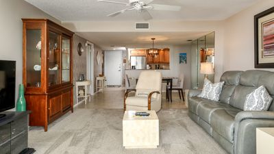 Photo for Anchorage Resort 6th floor condo in Siesta Key with private beach access, pool, boat dock!