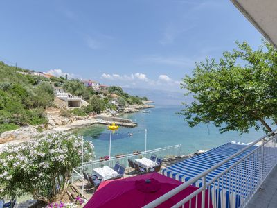 Photo for Apartments Davorka (38421-A3) - Gdinj - island Hvar