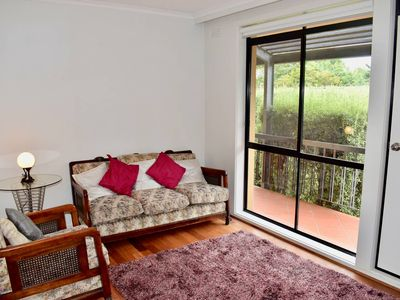 Photo for Cosy 1 Bedroom Apartment in Trendy Northcote