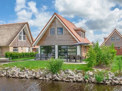 Photo for Bungalow in the holiday park Landal Waterpark Terherne - Located on the Terhernster Poelen