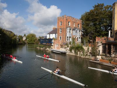 Photo for Luxury apartment on an island in the River Thames in Oxford's historic centre