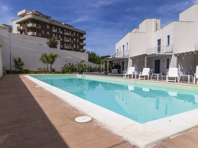 Photo for South wind 4, swimming pool and sea