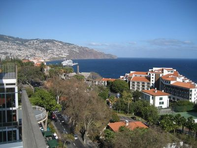 Photo for Penthouse Apartment, Best Hotels Area in Funchal, 2 Rooms, Sea View