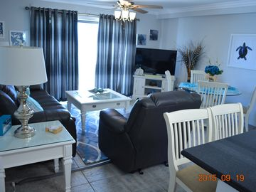 ULTIMATE LUXURY W/WASHER/DRYER & 2 BEACH CHAIRS INCLUDED WITH RENTAL
