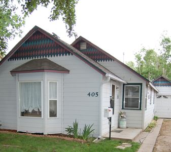 Photo for Adorable and Comfortable Downtown Cottage