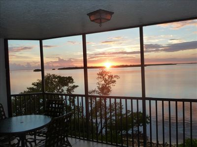 Photo for Bay View Tower #232 - Sanibel Harbour Resort