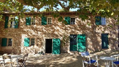 Photo for House 8/10 people with swimming pool, magnificent view of Ste Victoire