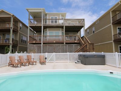 Photo for Gorgeous newer home on the Beach!  It's time to relax!!  Pool/hot-tub, elevator