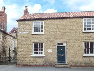 Photo for THE OLD PIPE HOUSE, pet friendly in Malton, Ref 938055